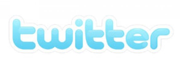 Comments Easier Than Ever With Twitter & Facebook