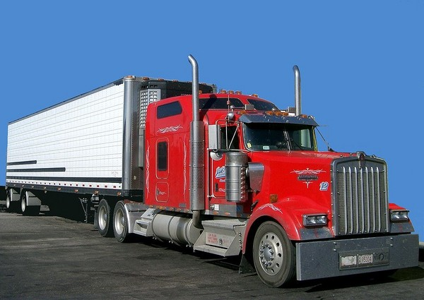 red-truck-usa_l